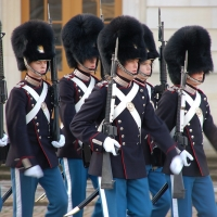 Kopenhagen: Wachablöse beim Schloss Amalienborg