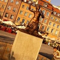 Polen: Warschauer Sirene am Alten Marktplatz von Warschau