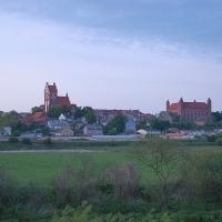 Polen: Blick auf Gniew mit Stadtpfarrkirche und Deutschordensburg