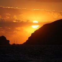 Santorini: Sonnenuntergang vom Schiff